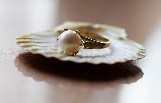 jewelry-2314893__340.jpg