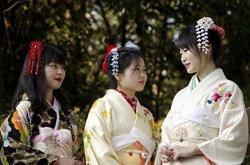 kimono-2225251__340.jpg