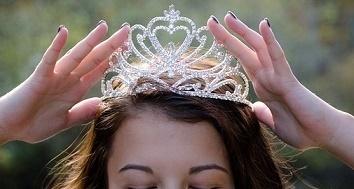 queen-2941437__340.jpg